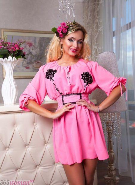 женские удлиненные рубашки розовые с вышивкой