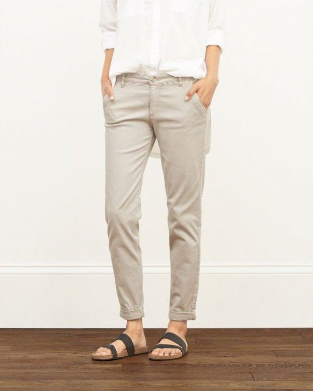с чем носить укороченные брюки чинос