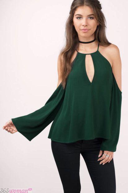 темно-зеленая блуза с длинным рукавом
