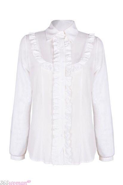 белая блуза с длинным рукавом с рюшками