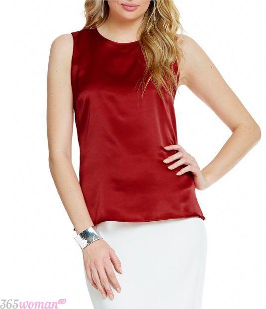 красная блуза без рукавов