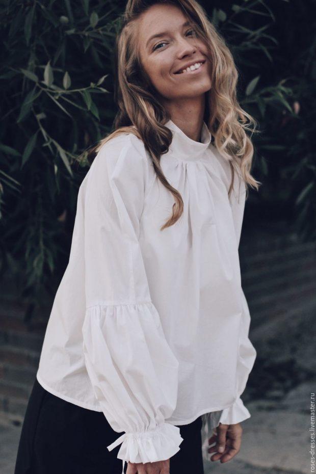 белая с объемными рукавами