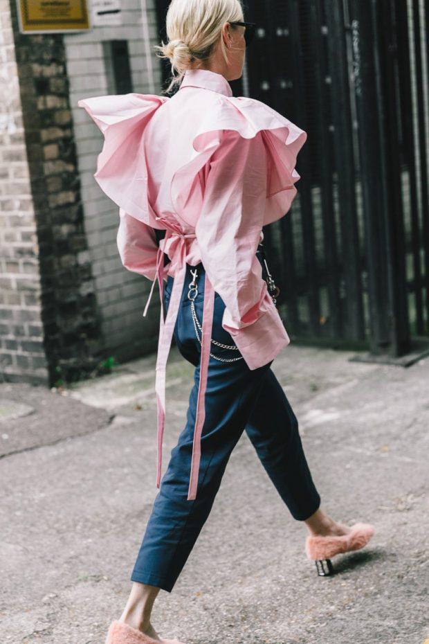 розовая с объемными рукавами