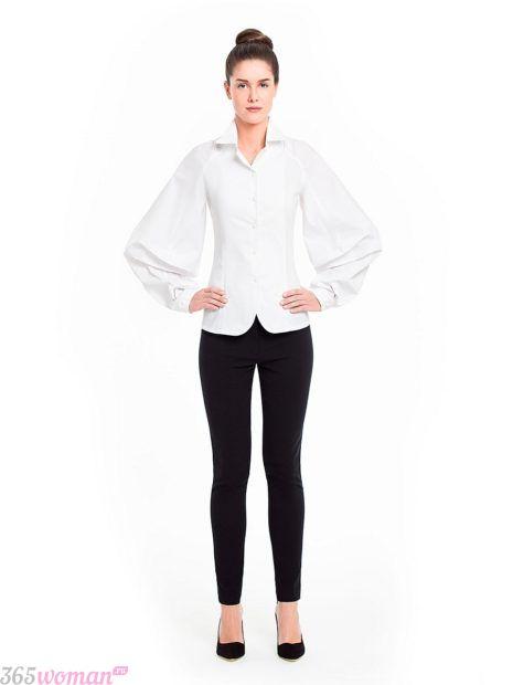 белая блуза на пуговицах с объемными рукавами