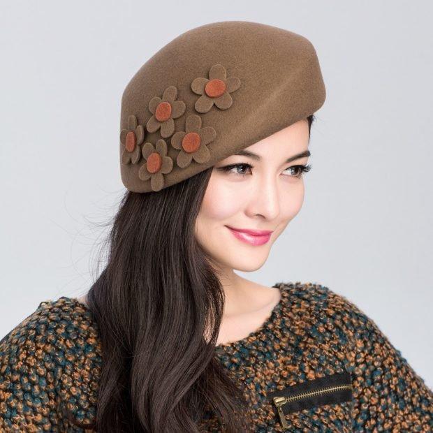шляпка-берет с декором