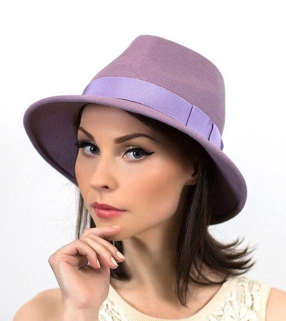 лиловая шляпа федора