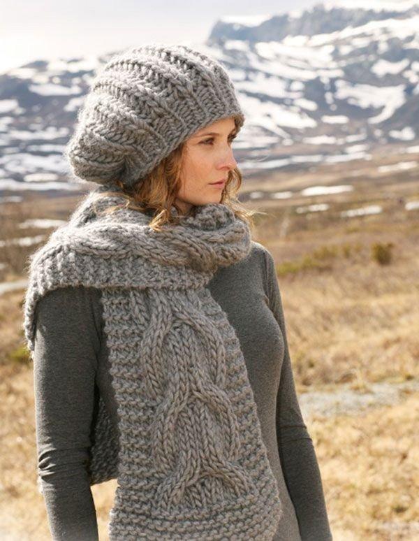 модные головные уборы осень зима 2019 2020: серый берет крупной вязки