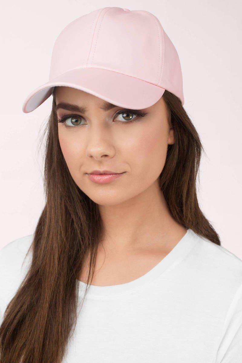 светло-розовая бейсболка