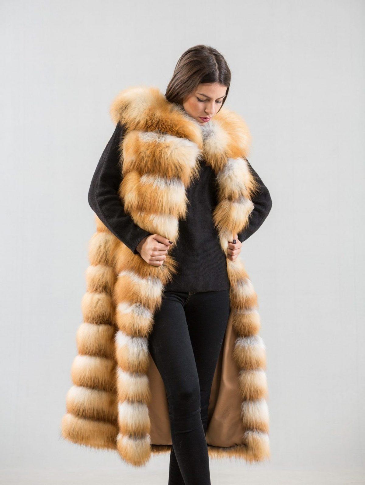 с чем носить длинный жилет из меха лисы