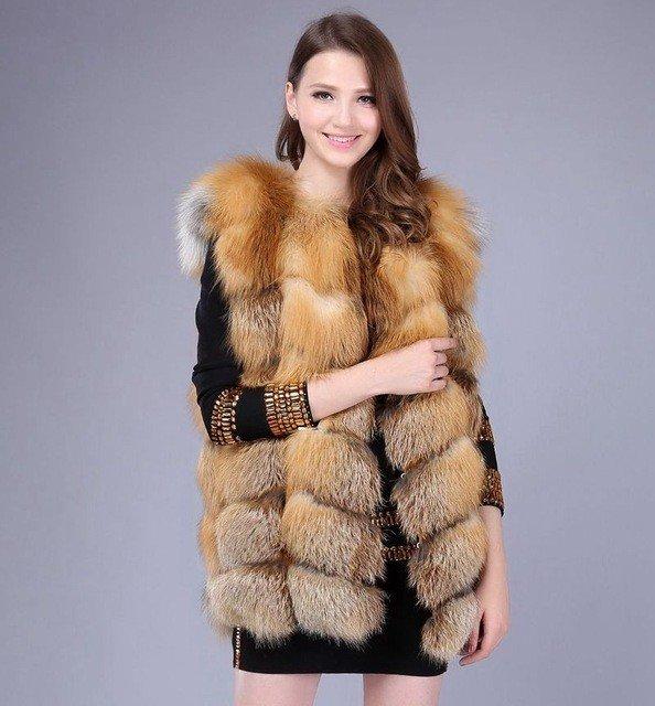 с чем носить объемный жилет из меха лисы