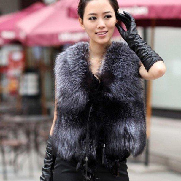 с чем носить короткий меховой жилет из чернобурки