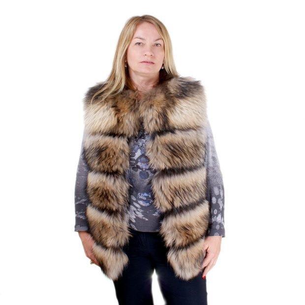 объемный меховой жилет с чем носить