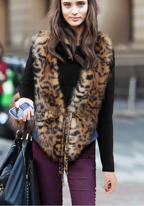 меховой жилет леопардовый принт с чем носить