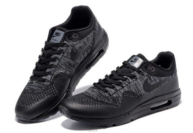 черные одноцветные кроссовки