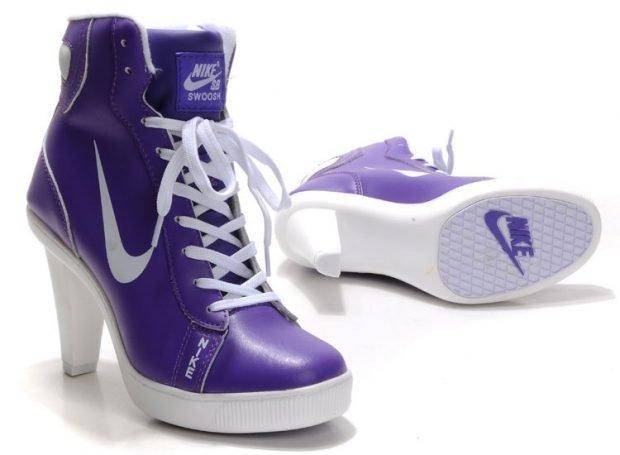фиолетовые высокие кроссовки на каблуке