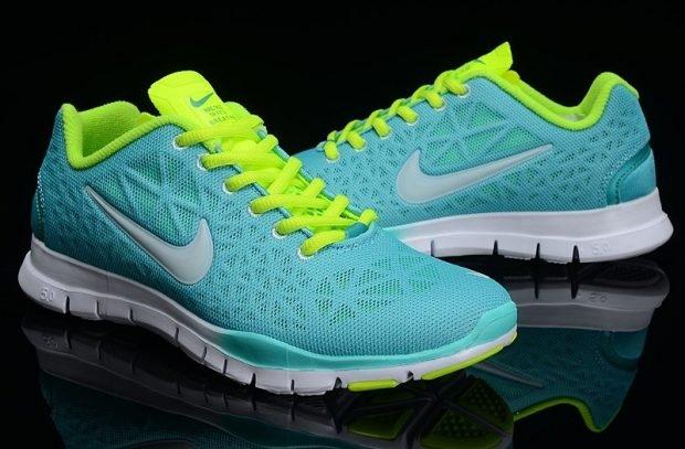 голубые кислотные кроссовки