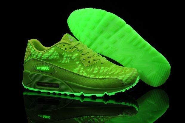 зеленые кислотные кроссовки
