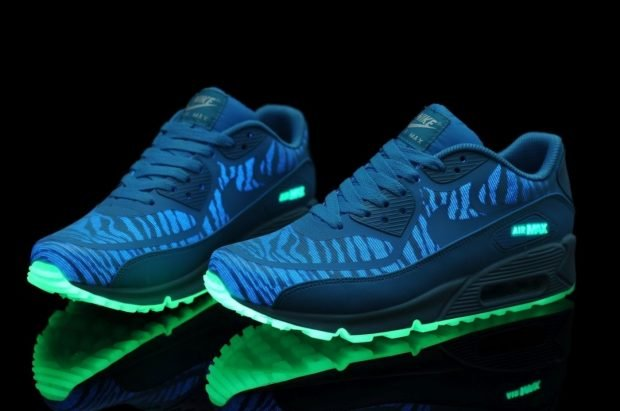 синие с зеленым кислотные кроссовки