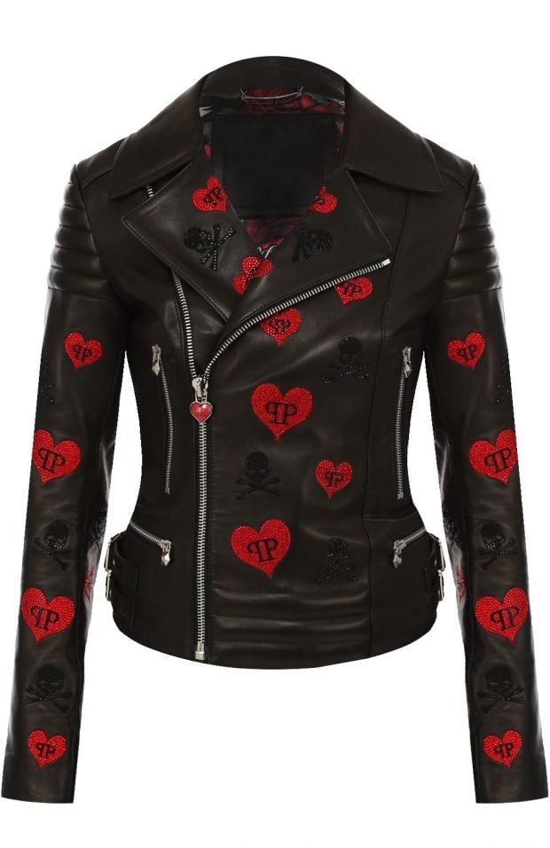 черная куртка косуха в сердечки