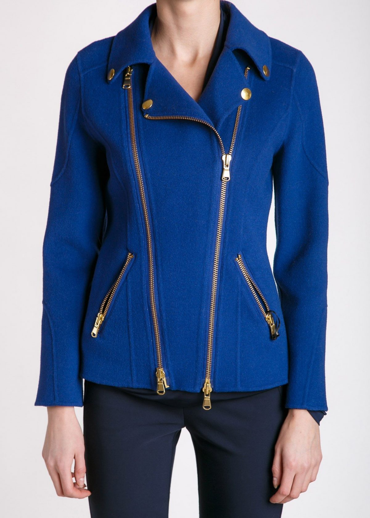 синяя куртка косуха