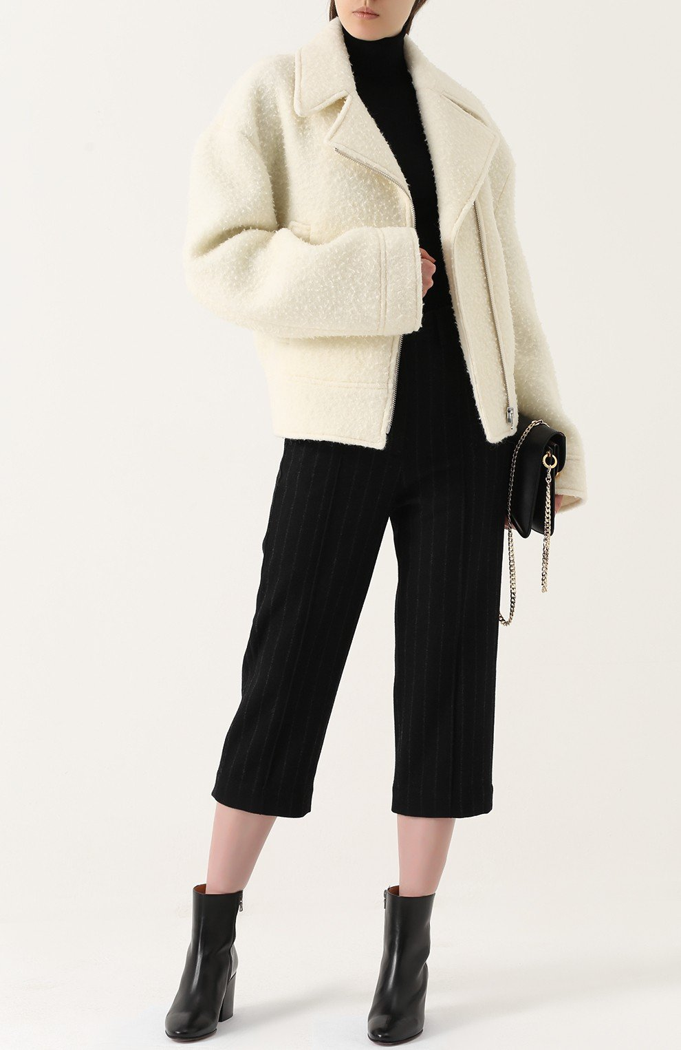 куртка косуха молочного цвета