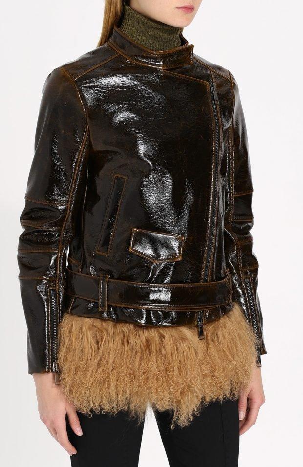 лаковая куртка косуха с мехом по низу