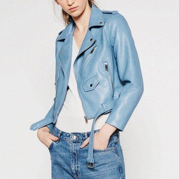 голубая кожаная куртка косуха