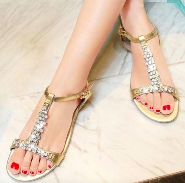 гладиаторские сандалии с украшением