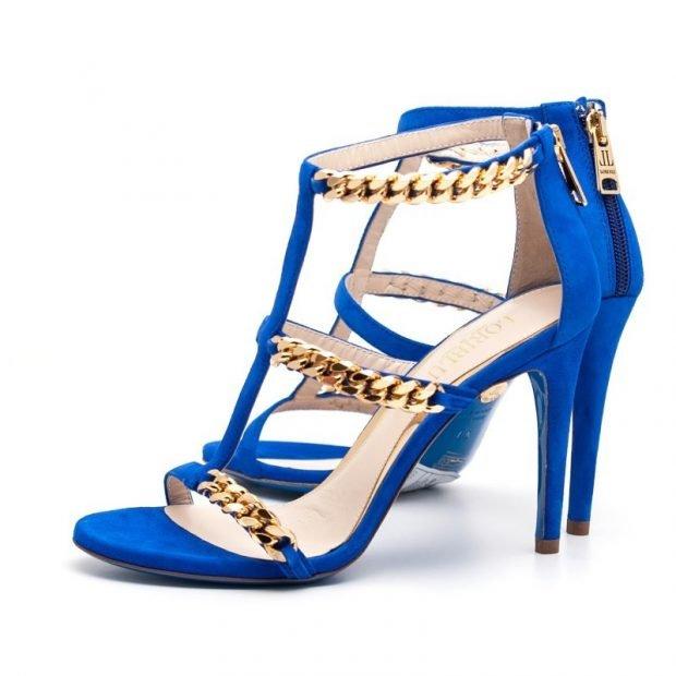 синие босоножки на каблуке с цепями