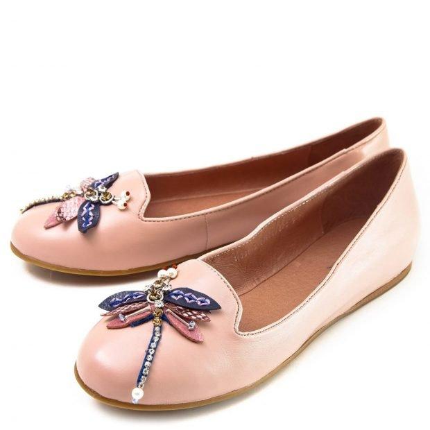 светло-розовые балетки с украшением