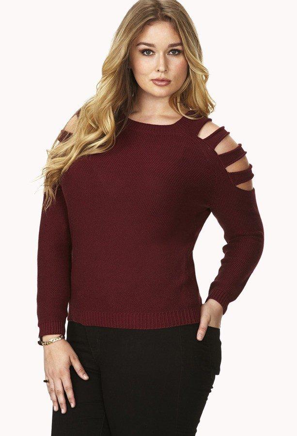модный бордовый свитер для полных осень-зима 2019 2020 с разрезами на плечах