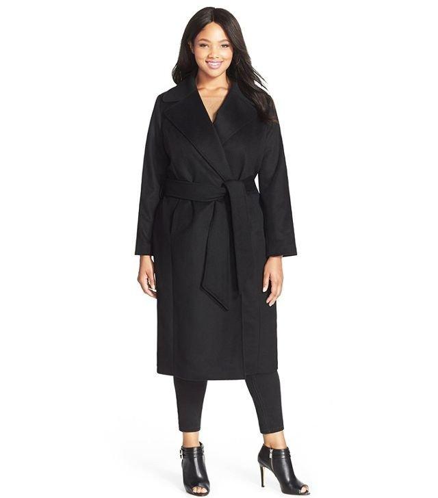 черное пальто для полных на запах осень-зима 2019 2020