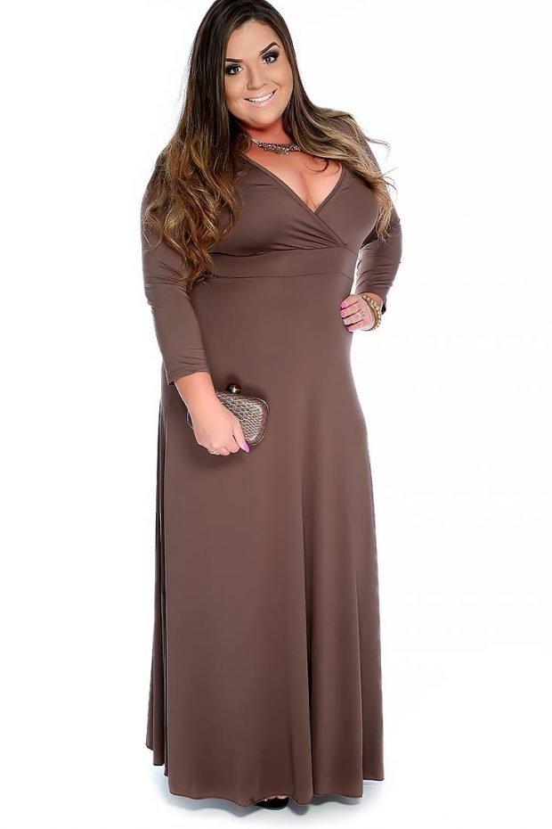 модное длинное платье для полных осень-зима 2019 2020 серо-коричневого цвета