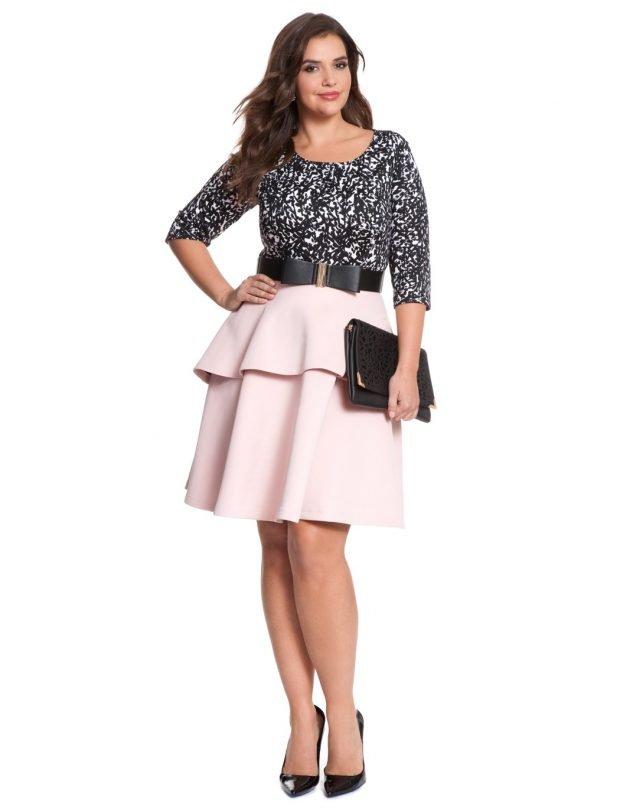 стильная светло-розовая юбка для полных осень-зима 2019 2020