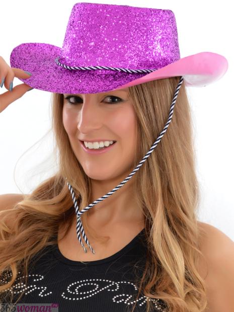 розовая ковбойская шляпа в блестках