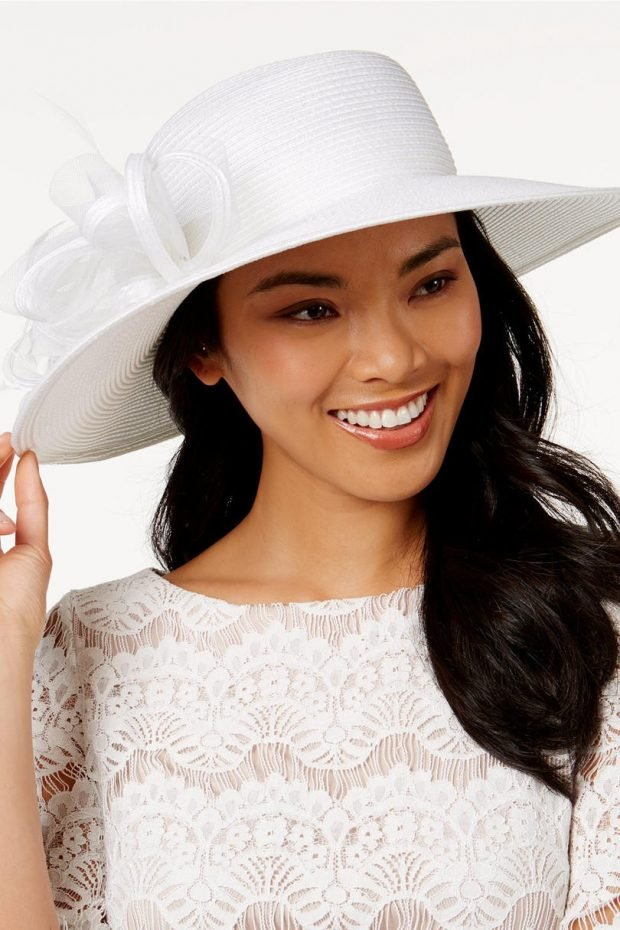 белая широкополая шляпа