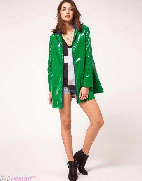 зеленый плащ-дождевик