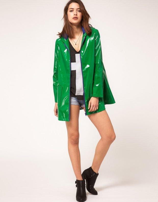 зеленый дождевик