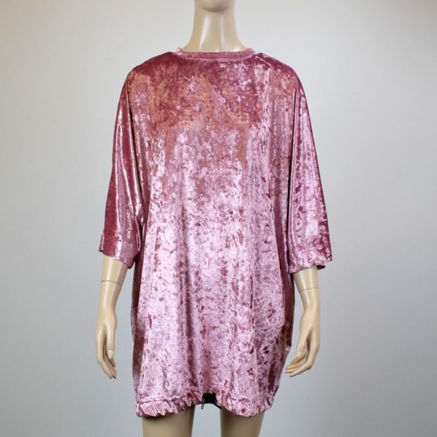 розовое платье оверсайз из бархата