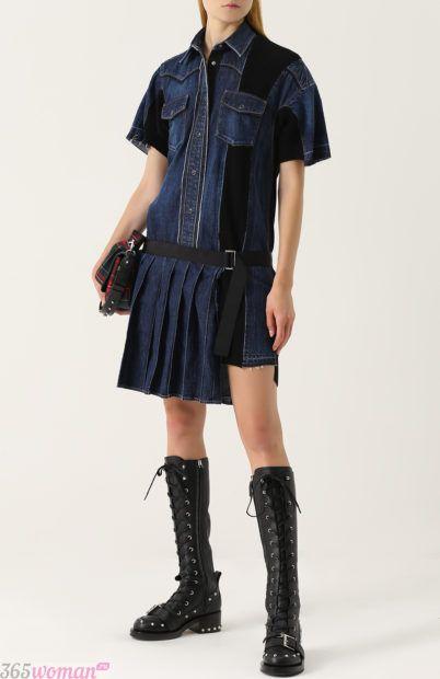 джинсовое платье с плиссированной юбкой