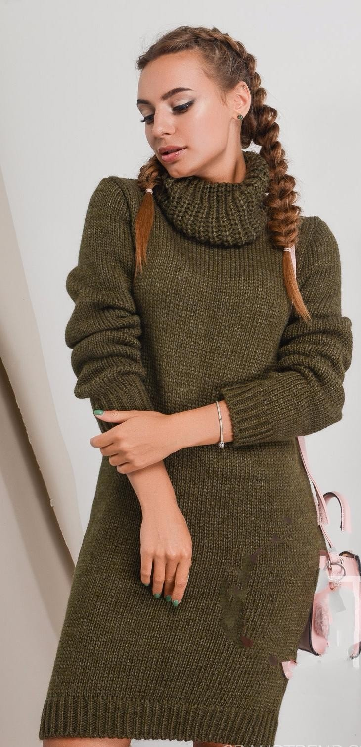 вязаное платье цвета хаки