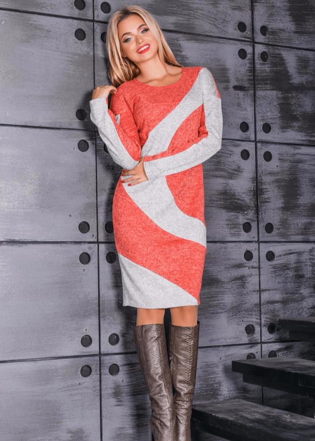 вязаное в бело-оранжевом цвете