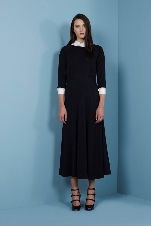 модные платья осень зима 2019 2020: черное миди с белым воротником