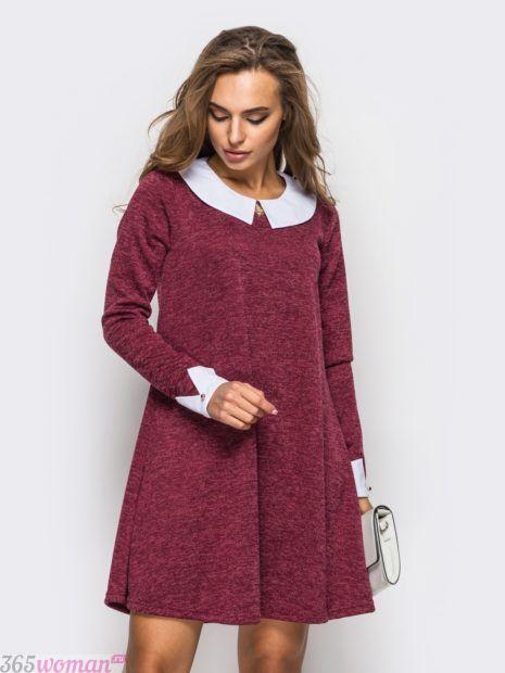 платье цвета марсала с белым воротником