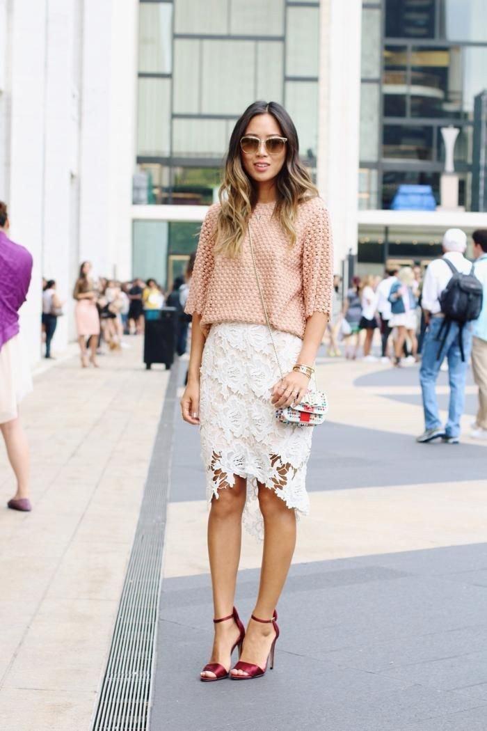 кружевная юбка белая и бежевая блузка