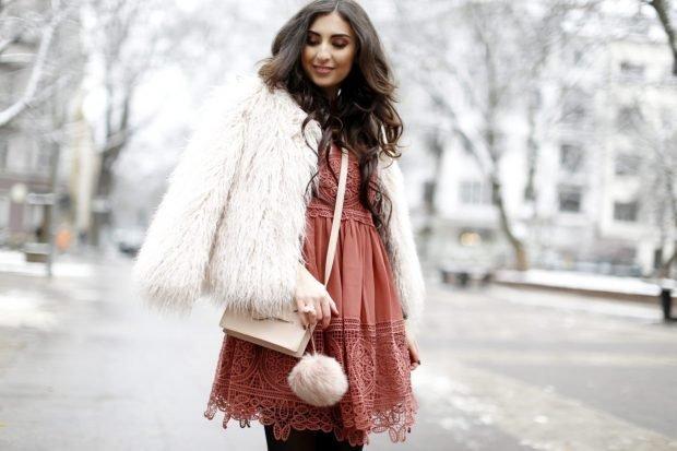 легкое платье и белый полушубок