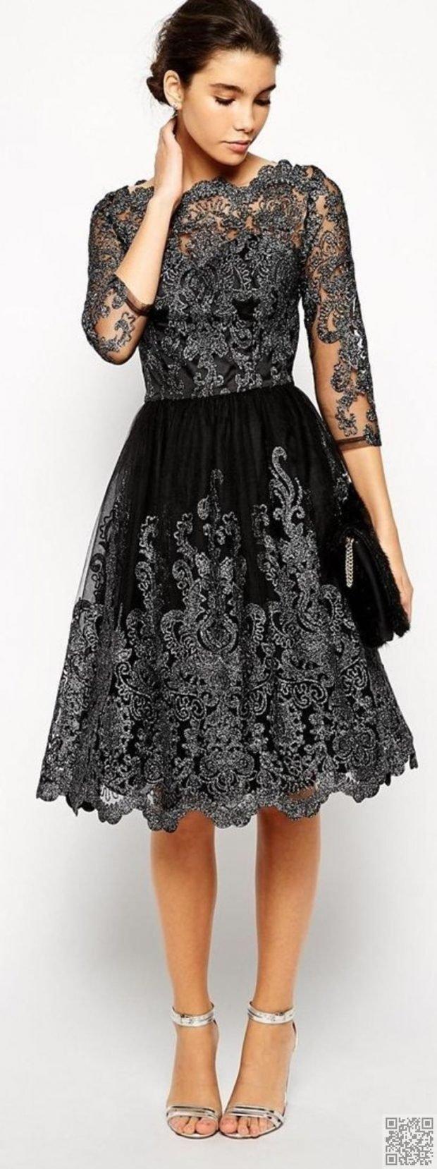 платье из кружева с серебристой вышивкой