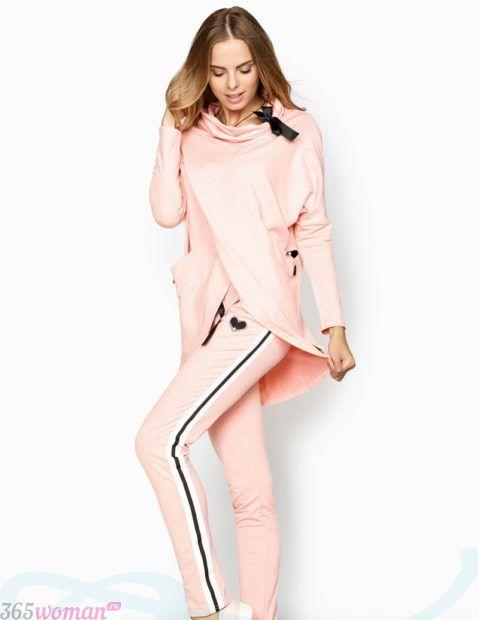 розовый костюм спортивный