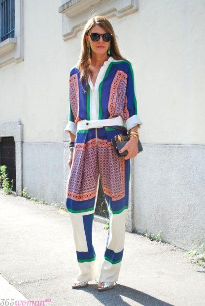цветной костюм в пижамном стиле