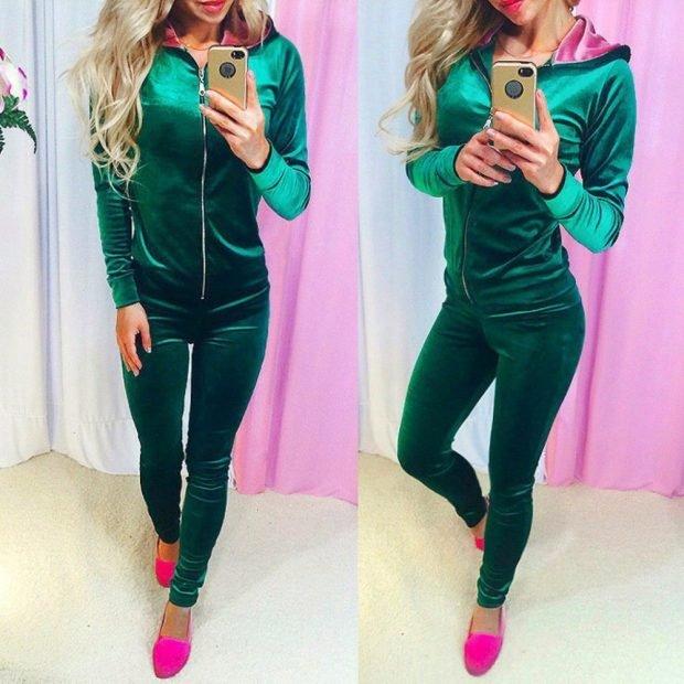 зеленый бархатный спортивный костюм в обтяжку